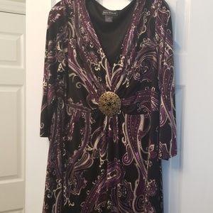 Paisley v-neck dress with medallion